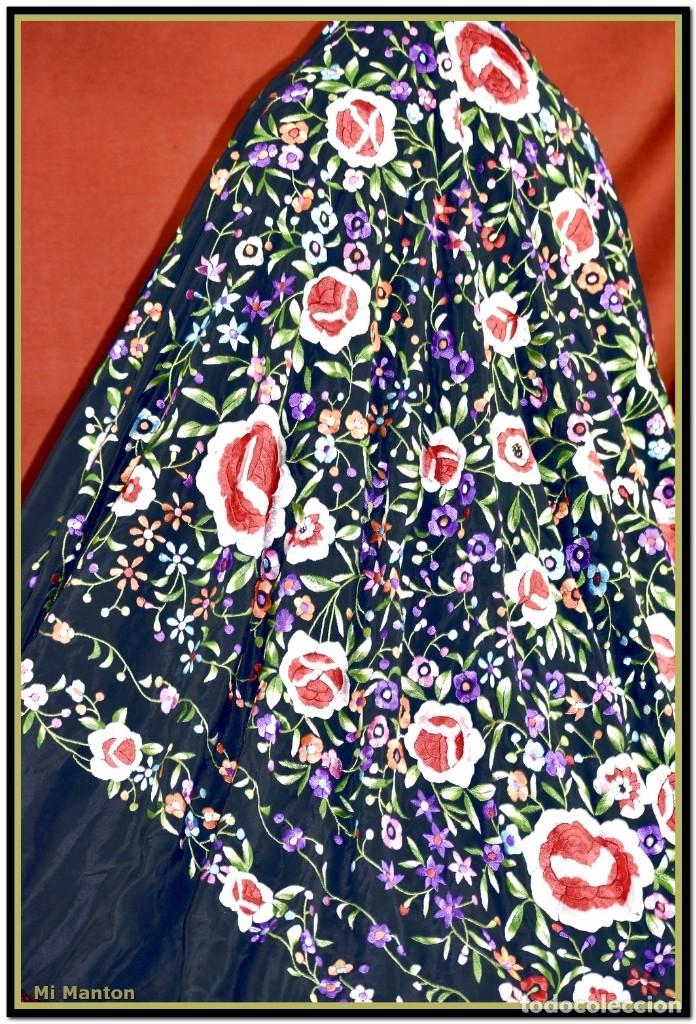 Antigüedades: Mantón de Manila seda bordado a mano 150 x 150 cm mas enrejado y fleco - Foto 6 - 176791502