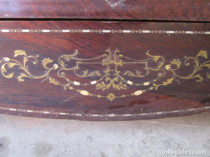 Antigüedades: Antigua Cómoda Bombeada, isabelina - Madera Jacarandá - Marquetería en Latón - S. XIX - Foto 5 - 176834147