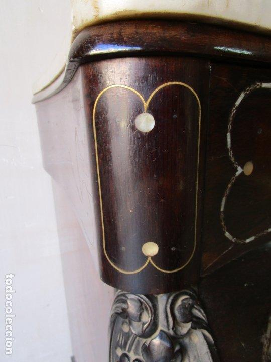 Antigüedades: Antigua Cómoda Bombeada, isabelina - Madera Jacarandá - Marquetería en Latón - S. XIX - Foto 22 - 176834147