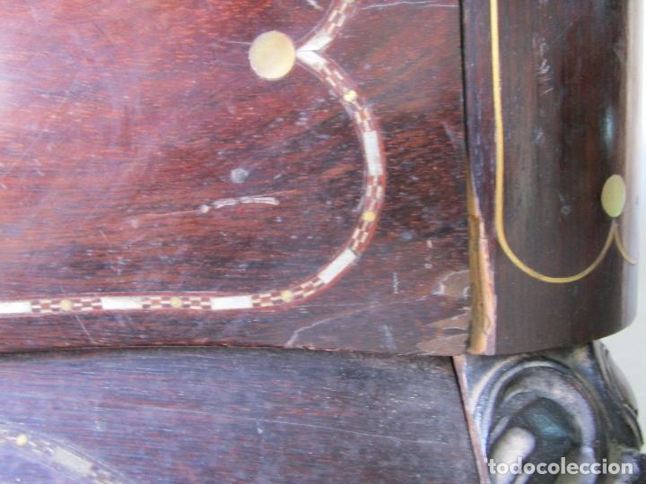 Antigüedades: Antigua Cómoda Bombeada, isabelina - Madera Jacarandá - Marquetería en Latón - S. XIX - Foto 26 - 176834147