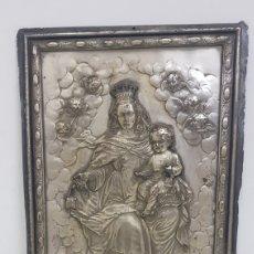 Antigüedades: RELIEVE BAÑADO EN PLATA VIRGEN MARÍA Y EL NIÑO MEDIDAS 19 X 28 CENTÍMETROS. Lote 176841767