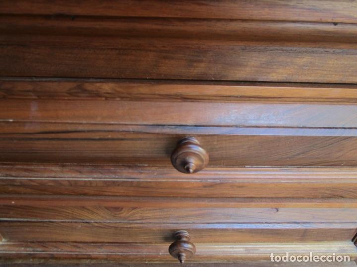 Antigüedades: Mesita, Xifonier - Pequeña Cómoda - Madera de Nogal - Ancho 63 cm - Foto 4 - 176841902