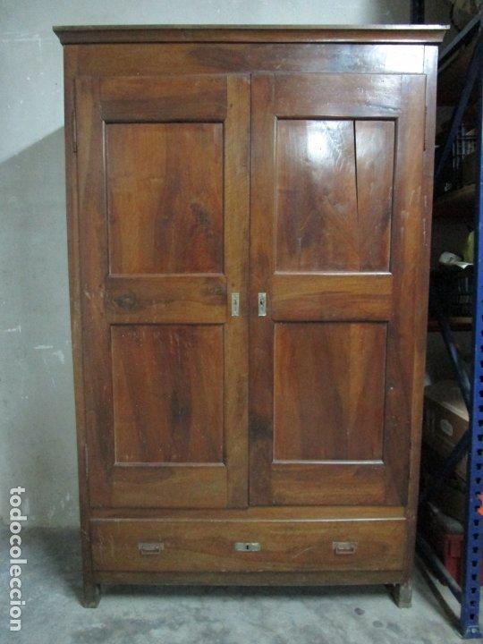 ANTIGUO ARMARIO ISABELINO - MADERA DE NOGAL - ALTURA 210 CM - S. XIX (Antigüedades - Muebles Antiguos - Armarios Antiguos)