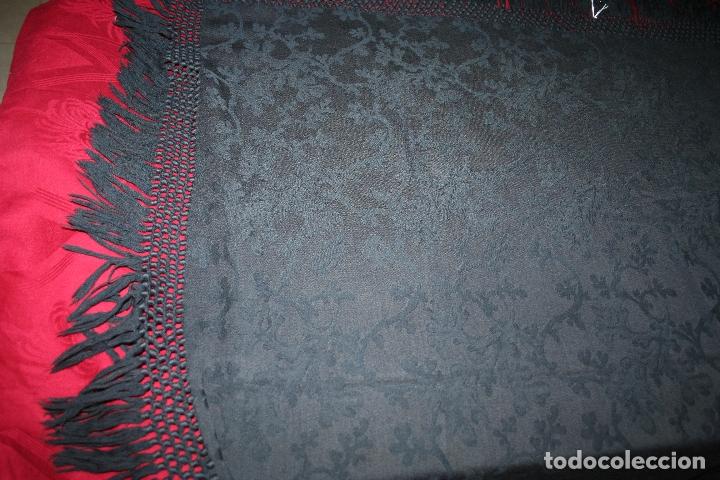 Antigüedades: ANTIGUO MANTON LANA ADAMASCADO COLOR AZUL OSCURO 105x105 CM MAS 14 FLECO - Foto 15 - 156212594