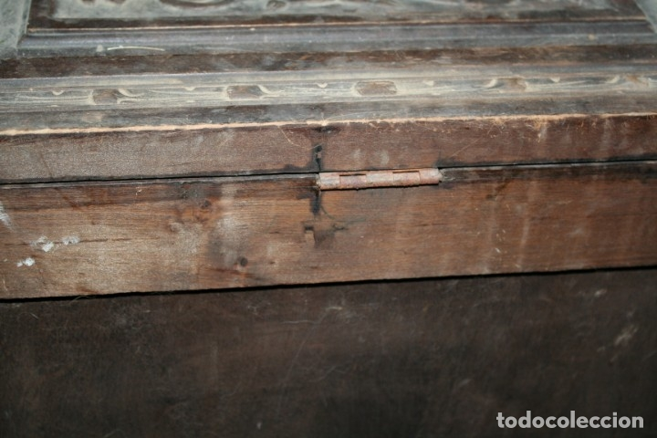Antigüedades: antigua arca estilo frances con dibujos en relieve - Foto 18 - 31271150