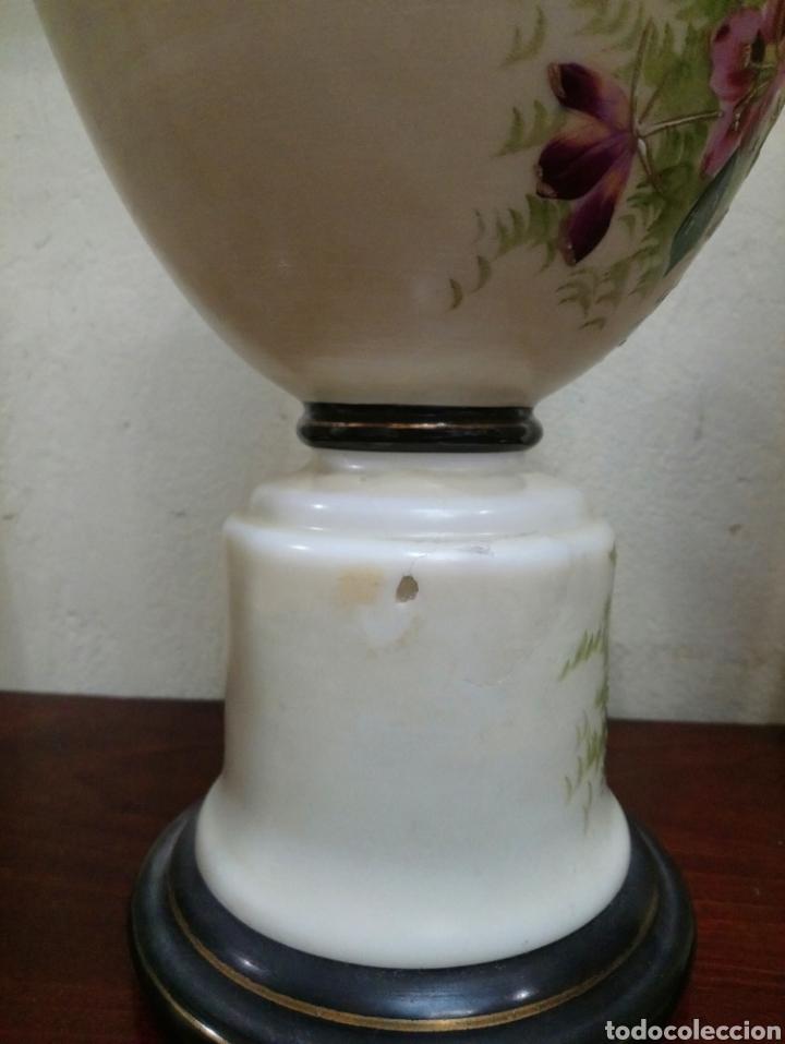 Antigüedades: Años 20 Juego de tres Jarrones de Opalina Pintados a Mano de grande calitad - Foto 4 - 176901910