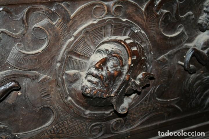 Antigüedades: antigua arca estilo frances con dibujos en relieve - Foto 22 - 31271150