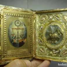 Antigüedades: ANTIGUO RELICARIO VITRINA. S.XIX. CON 11 RELIQUIAS. INTERIOR CON TRABAJO EN PLATA Y ORO.. Lote 176937088