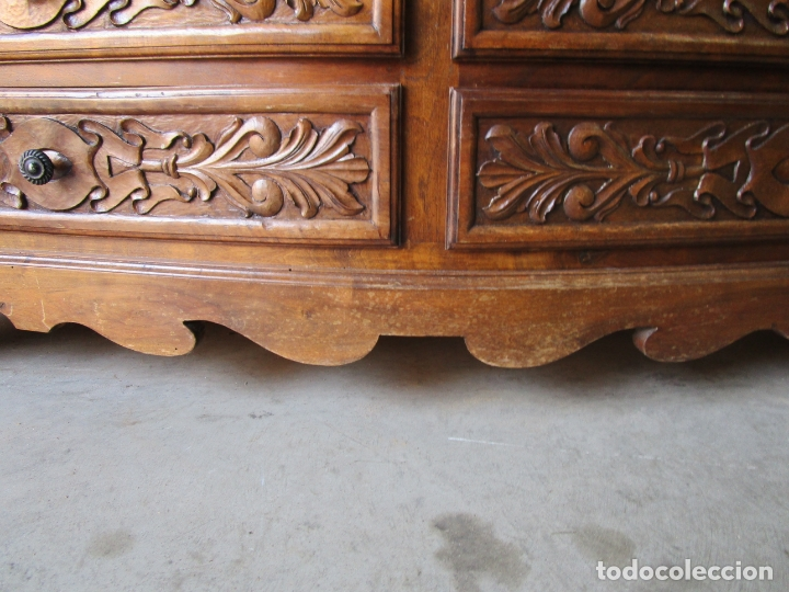Antigüedades: Cómoda Bombeada - Madera de Nogal - Fina Talla de Madera - 8 Cajones - Foto 5 - 176971729