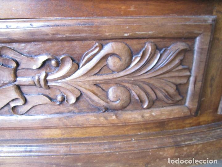 Antigüedades: Cómoda Bombeada - Madera de Nogal - Fina Talla de Madera - 8 Cajones - Foto 11 - 176971729