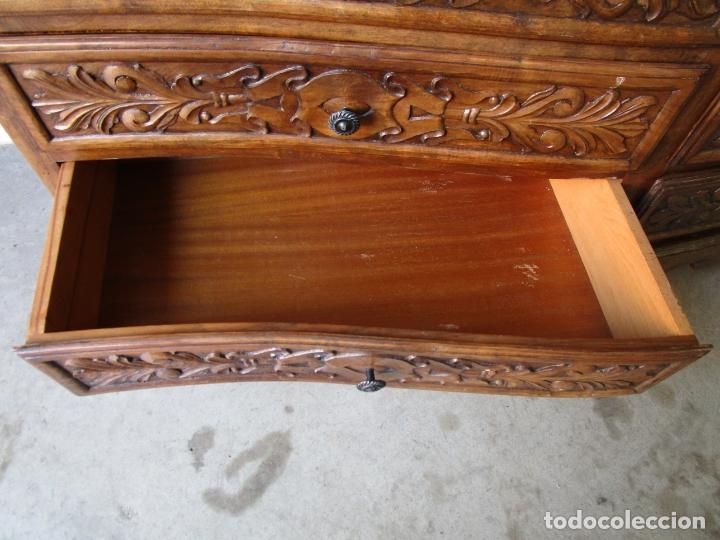 Antigüedades: Cómoda Bombeada - Madera de Nogal - Fina Talla de Madera - 8 Cajones - Foto 12 - 176971729