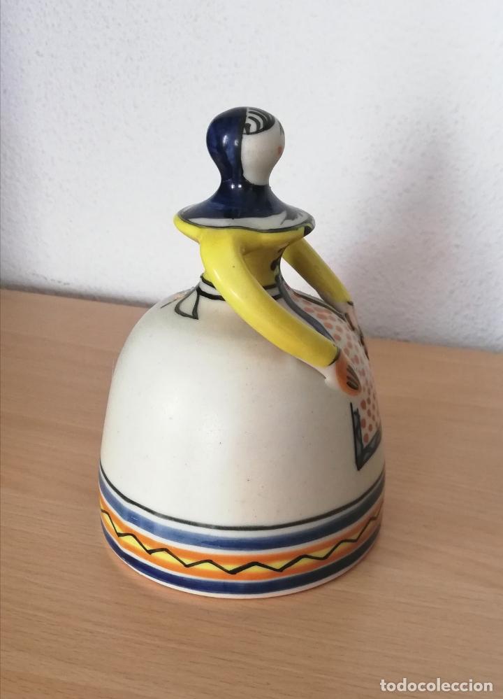 Antigüedades: Figura de mujer cerámica Talavera numerada - Foto 3 - 176981400