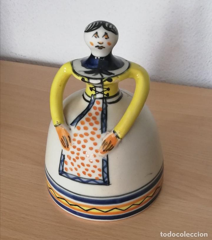 Antigüedades: Figura de mujer cerámica Talavera numerada - Foto 7 - 176981400