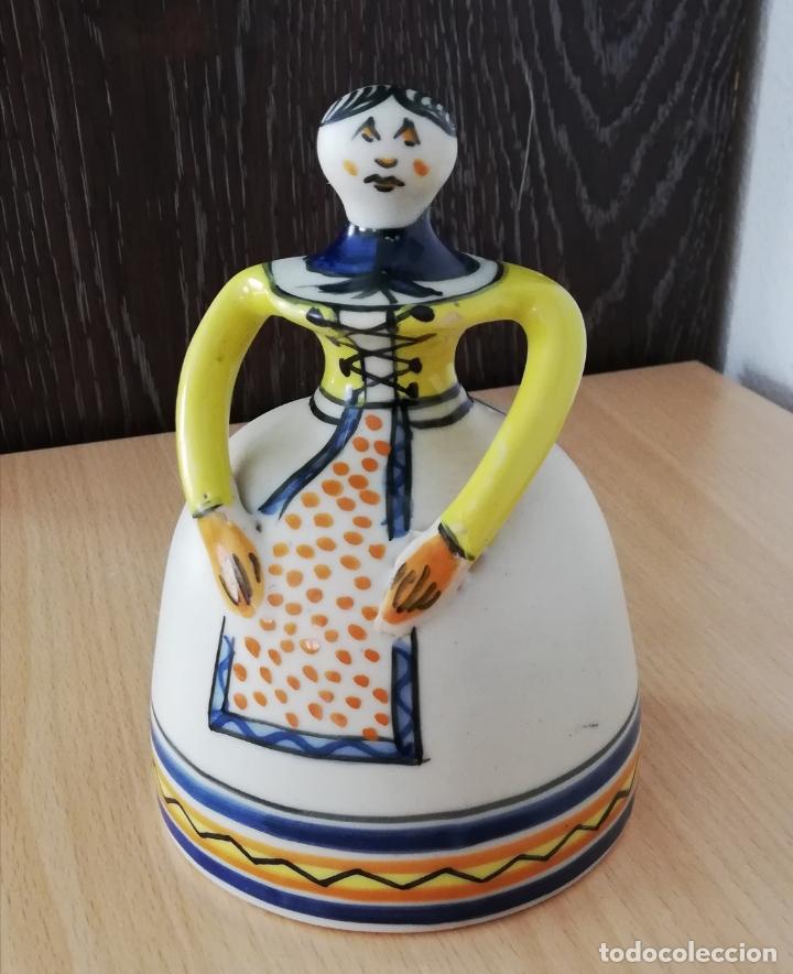 Antigüedades: Figura de mujer cerámica Talavera numerada - Foto 8 - 176981400