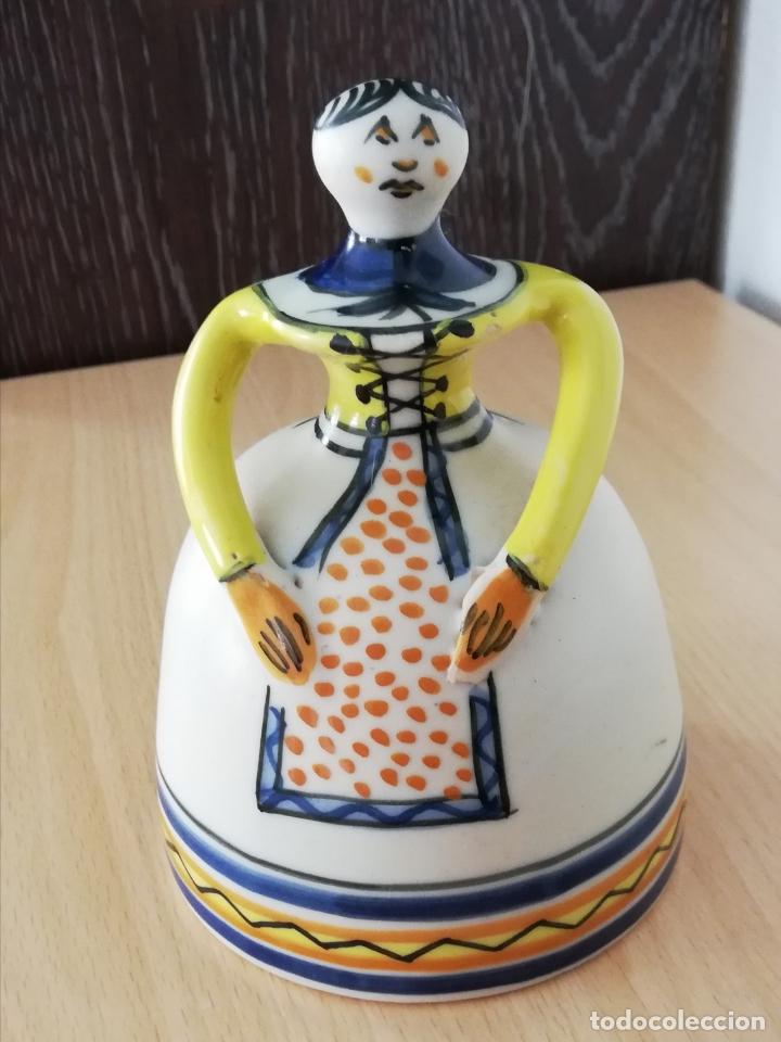Antigüedades: Figura de mujer cerámica Talavera numerada - Foto 9 - 176981400