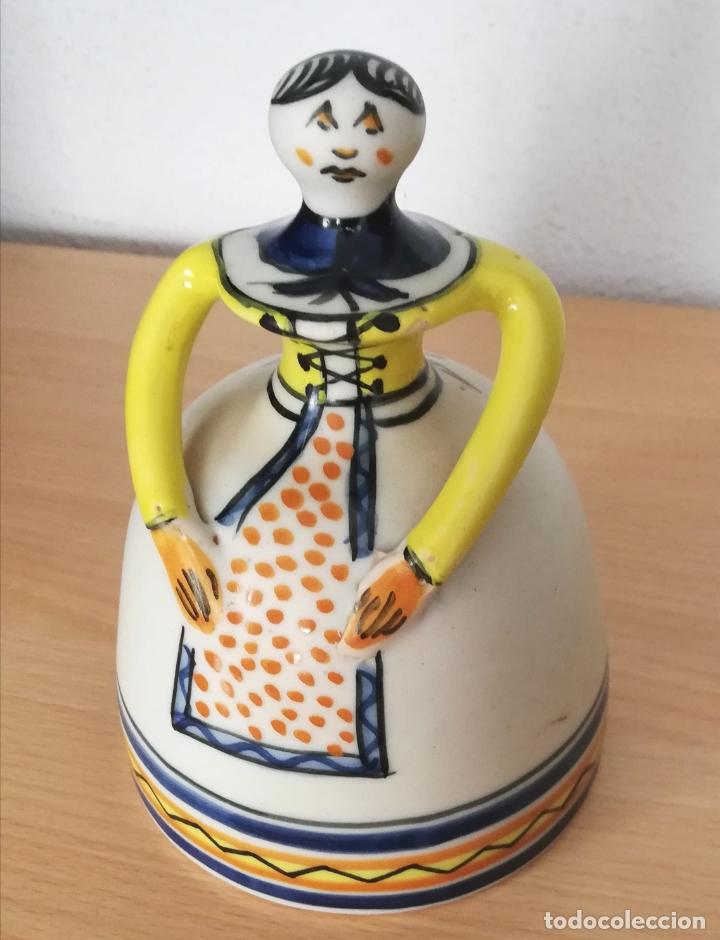 FIGURA DE MUJER CERÁMICA TALAVERA NUMERADA (Antigüedades - Porcelanas y Cerámicas - Talavera)