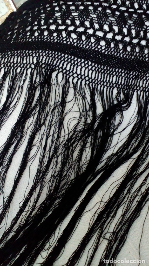 Antigüedades: Antiguo mantón de crespón negro - Foto 21 - 176985819