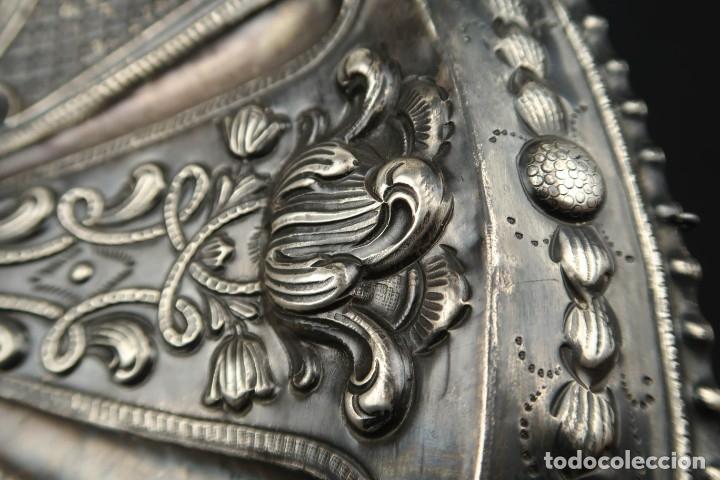 Antigüedades: Extraordinaria Bandeja Cordobesa de Plata Siglo XVIII Con bonita patina del tiempo Contraste CRUZ - Foto 9 - 177002745