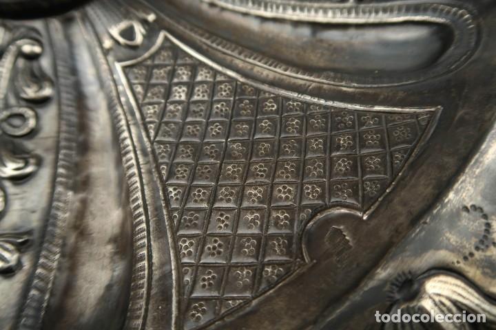 Antigüedades: Extraordinaria Bandeja Cordobesa de Plata Siglo XVIII Con bonita patina del tiempo Contraste CRUZ - Foto 10 - 177002745