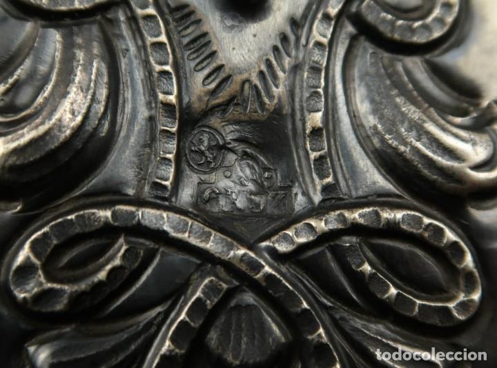 Antigüedades: Extraordinaria Bandeja Cordobesa de Plata Siglo XVIII Con bonita patina del tiempo Contraste CRUZ - Foto 13 - 177002745