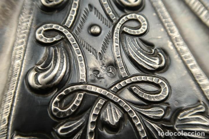 Antigüedades: Extraordinaria Bandeja Cordobesa de Plata Siglo XVIII Con bonita patina del tiempo Contraste CRUZ - Foto 14 - 177002745