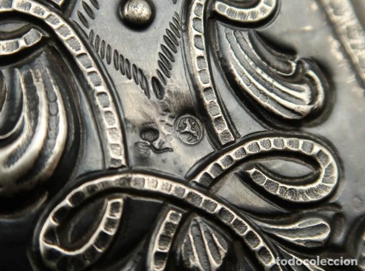 Antigüedades: Extraordinaria Bandeja Cordobesa de Plata Siglo XVIII Con bonita patina del tiempo Contraste CRUZ - Foto 15 - 177002745