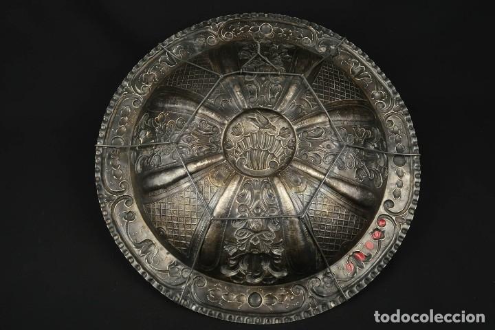 Antigüedades: Extraordinaria Bandeja Cordobesa de Plata Siglo XVIII Con bonita patina del tiempo Contraste CRUZ - Foto 16 - 177002745