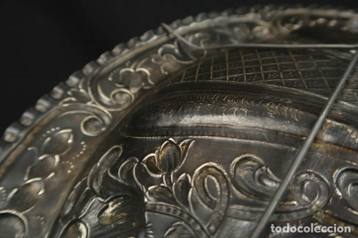 Antigüedades: Extraordinaria Bandeja Cordobesa de Plata Siglo XVIII Con bonita patina del tiempo Contraste CRUZ - Foto 21 - 177002745