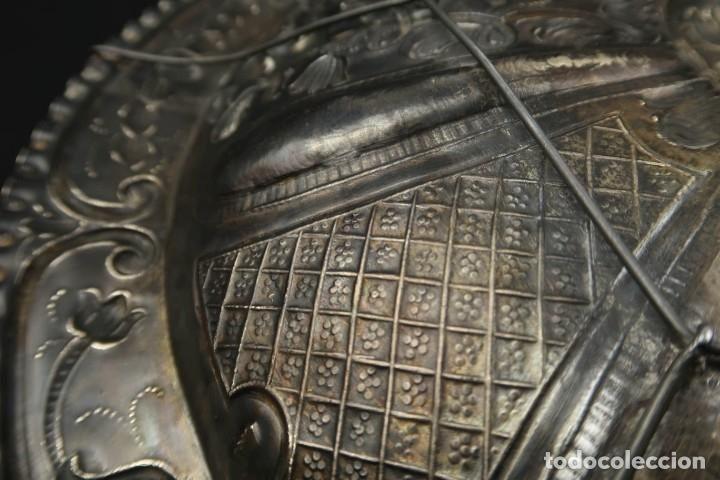 Antigüedades: Extraordinaria Bandeja Cordobesa de Plata Siglo XVIII Con bonita patina del tiempo Contraste CRUZ - Foto 22 - 177002745