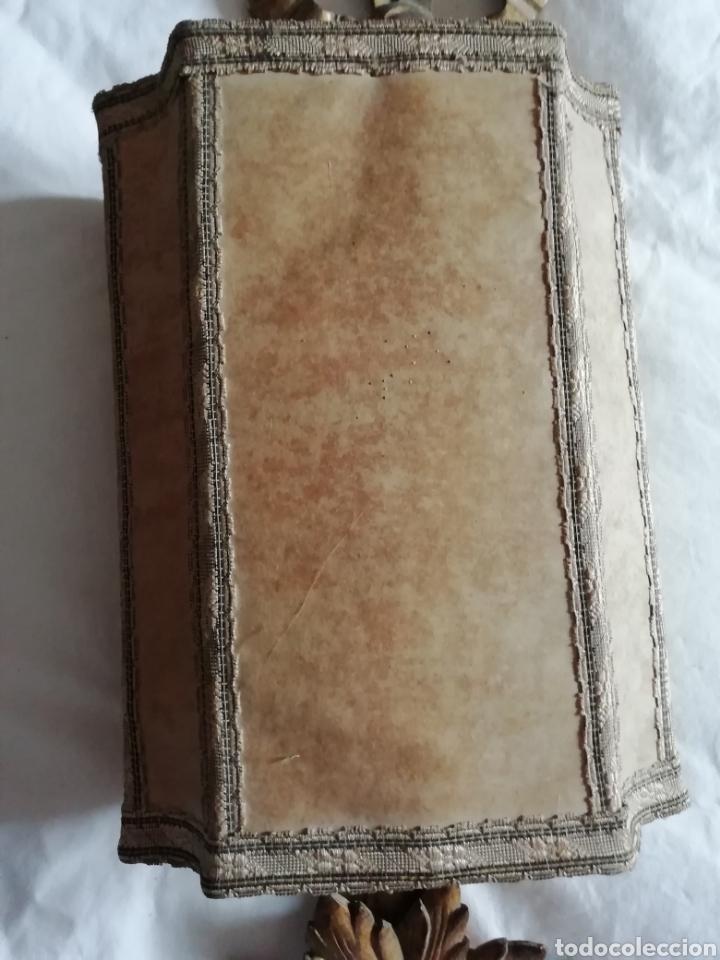 Antigüedades: Aplique de talla y Pergamino proceso - Foto 3 - 177033549