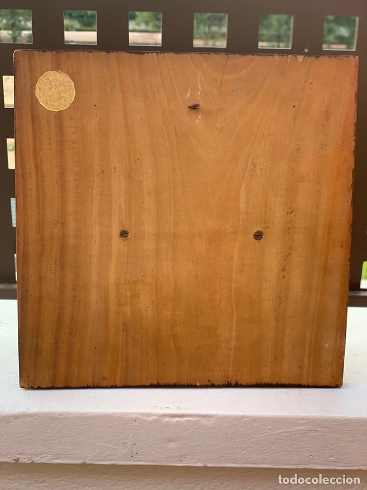 Antigüedades: VIRGEN DE ESCAYOLA SOBRE TABLA - Foto 7 - 177065623
