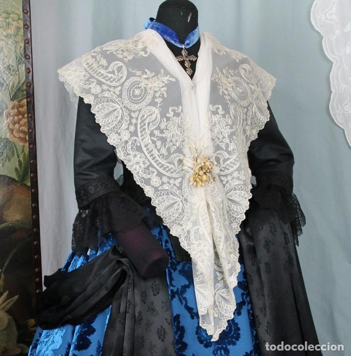 MANTELETA INDUMENTARIA TRADICIONAL (Antigüedades - Moda - Encajes)
