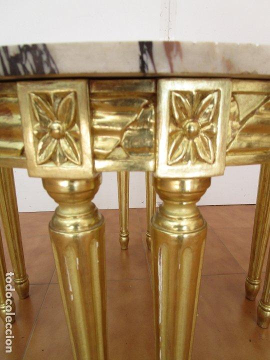 Antigüedades: Mesa de Centro - Madera tallada y Dorada en Pan de Oro - sobre de Mármol - 80 cm Diámetro - Foto 3 - 191060413