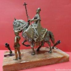 Antigüedades: MAGNÍFICA ESCRIBANÍA DE BRONCE. ISABEL LA CATÓLICA. BASE DE MARMOL, PPS S. XX.. Lote 177269175