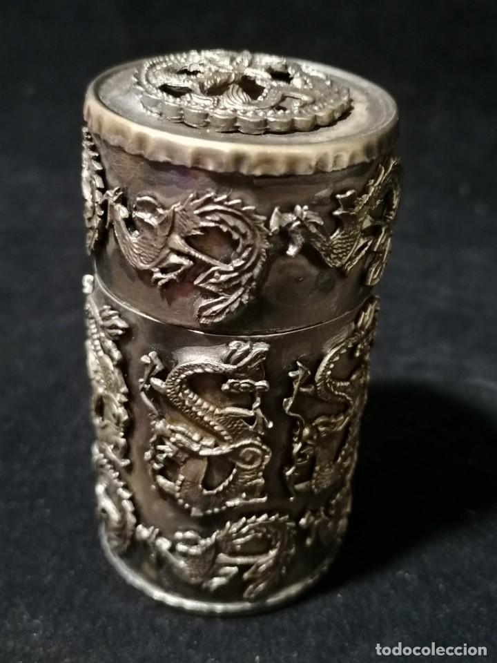 Antigüedades: Antigua caja labrada con magnificos dragones marcaje en la base - Foto 2 - 177336323