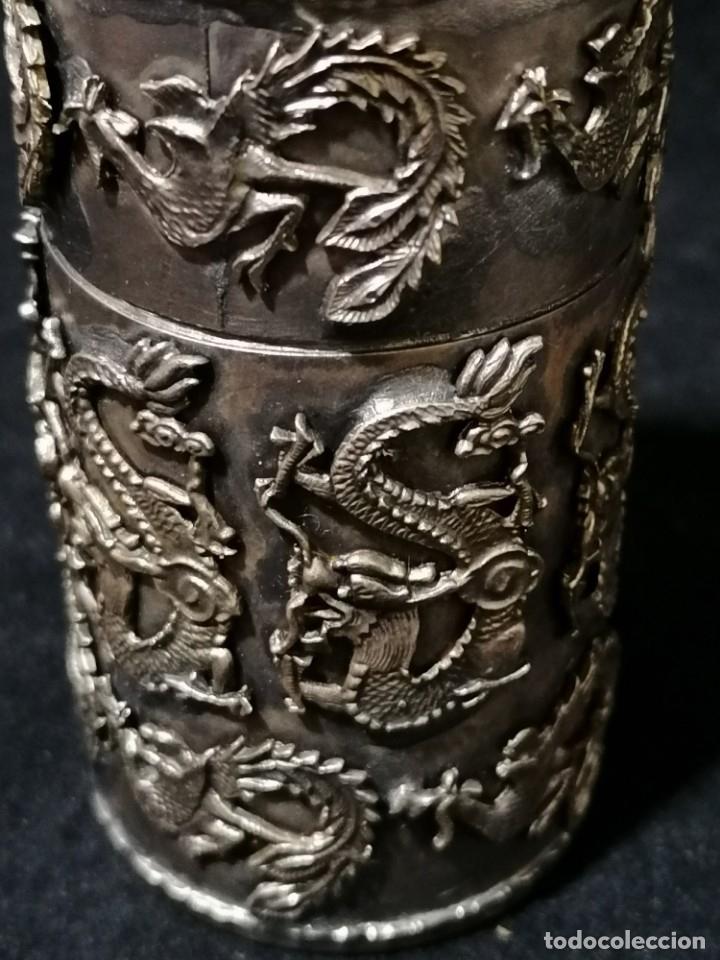 Antigüedades: Antigua caja labrada con magnificos dragones marcaje en la base - Foto 3 - 177336323