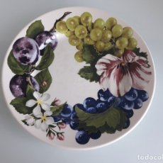 Antigüedades: PLATO DE PORCELANA SAN CLAUDIO - MODELO ARUBA - DECORADO CON FLORES - MADE IN SPAIN. Lote 177379179