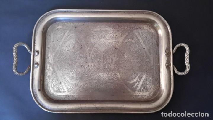 Antigüedades: Bandeja antigua de acero grabada con arabescos - Foto 12 - 177429377