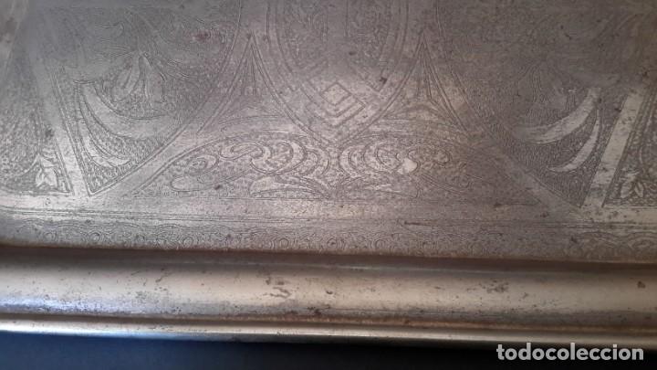Antigüedades: Bandeja antigua de acero grabada con arabescos - Foto 3 - 177429377