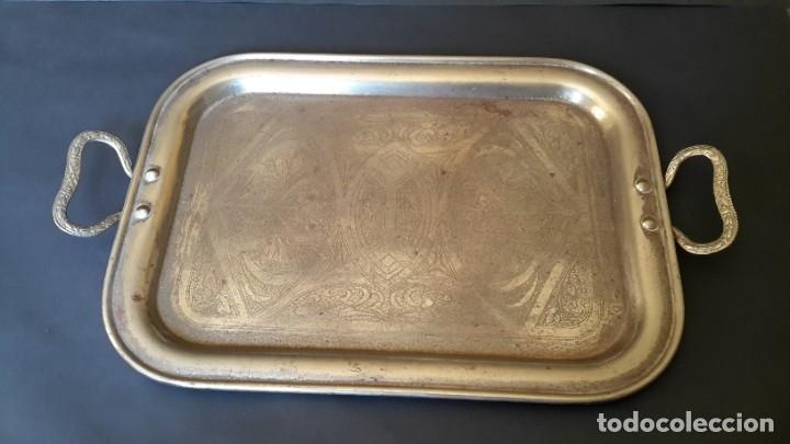 Antigüedades: Bandeja antigua de acero grabada con arabescos - Foto 2 - 177429377