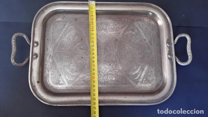 Antigüedades: Bandeja antigua de acero grabada con arabescos - Foto 5 - 177429377