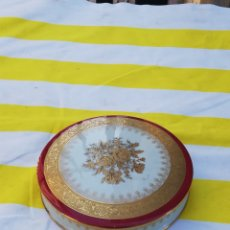 Antiquités: ANTIGUA BOMBONERA DE PORCELANA LIMOGES BORDE ORO IMP. Lote 177482418