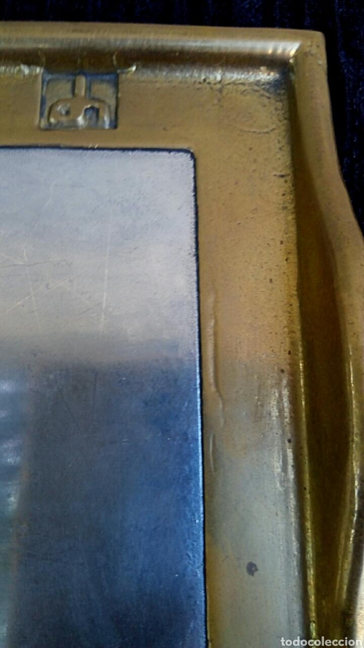 Antigüedades: Bandeja. Pisapapeles de despacho. Del diseñador David Marshall. Bronce y aluminio. - Foto 5 - 177487164