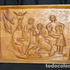 Antigüedades: TALLA MADERA: ADORACION PASTORES AL NIÑO JESUS,AÑOS 1960 .ARTE POPULAR .PALENCIA, TALLADO A MANO. Lote 177181398