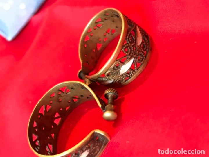 Antigüedades: Antiguos pendientes damasquinados toledo romanos aro tipo anillo bronce ver - Foto 4 - 177546385