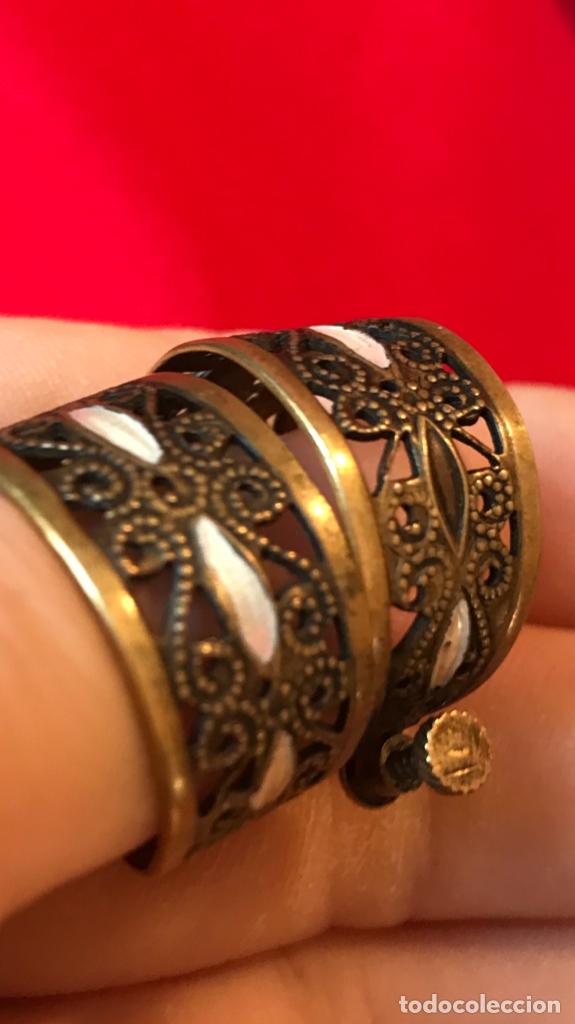 Antigüedades: Antiguos pendientes damasquinados toledo romanos aro tipo anillo bronce ver - Foto 12 - 177546385