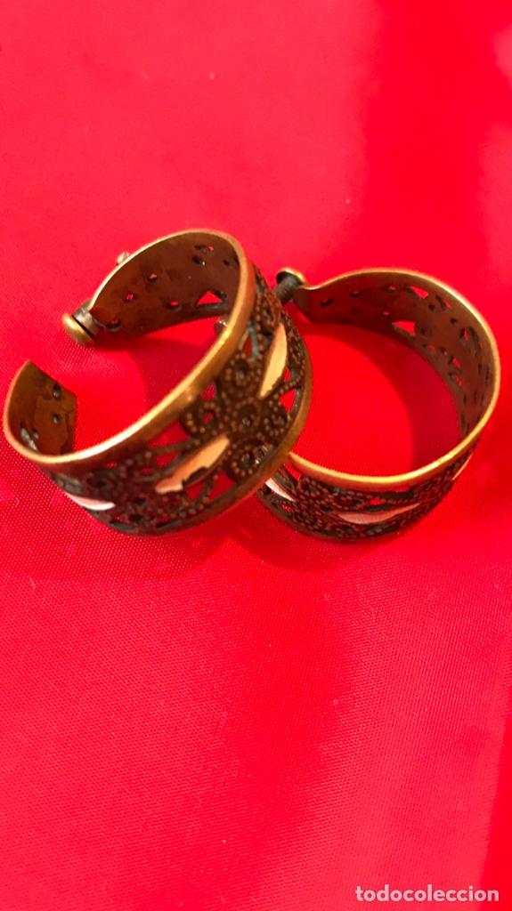 Antigüedades: Antiguos pendientes damasquinados toledo romanos aro tipo anillo bronce ver - Foto 13 - 177546385