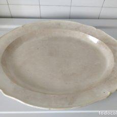 Antigüedades: GRAN FUENTE BANDEJA ANTIGUA DE PORCELANA. 50X40 CM.. Lote 177566719