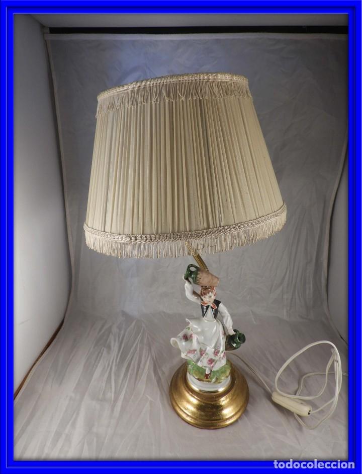 LAMPARA CON PIE DE FIGURA DE PORCELANA (Antigüedades - Iluminación - Lámparas Antiguas)