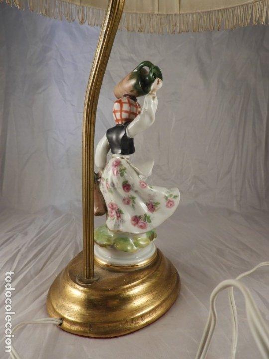 Antigüedades: LAMPARA CON PIE DE FIGURA DE PORCELANA - Foto 5 - 177602920